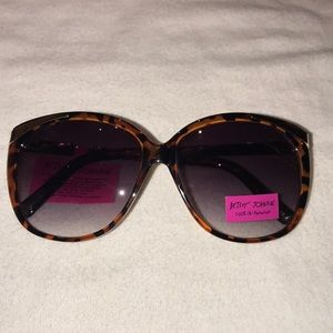Betsey Johnson brown/gold oversized sunglasses NWT